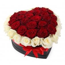 Троянди в коробці серце 2 кольори